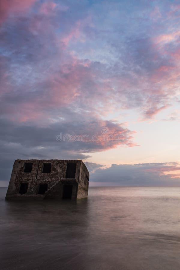 Ruiny Północni forty podczas zmierzchu w Liepaja, Latvia obraz stock