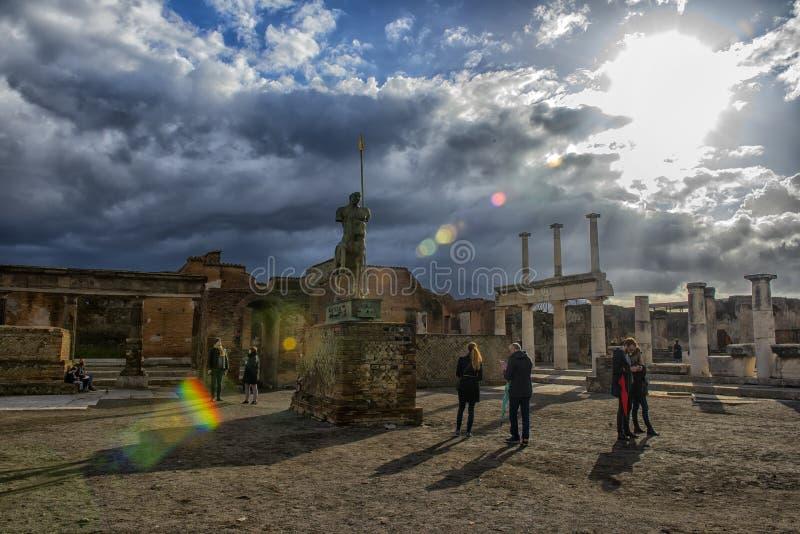 Ruiny Pompeii blisko Naples, W?ochy Pompeii jest antycznym Romańskim miastem umierającym od erupcji Vesuvius Resztki Jupiter świą zdjęcie royalty free