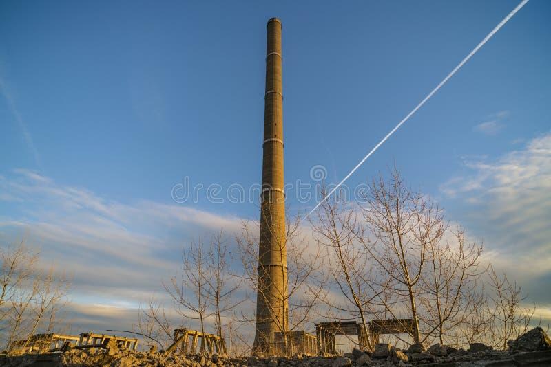 Ruiny przemysłowi budynki, zaniechany przemysł w Wschodnim obraz royalty free