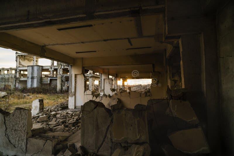 Ruiny przemysłowi budynki, zaniechany przemysł w Wschodnim zdjęcia royalty free