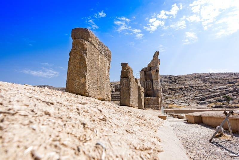 Ruiny przy Persepolis dziejowym miastem, Shiraz, Iran Wrzesień 12, 2016 zdjęcie stock