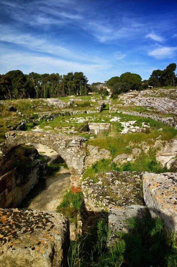 Ruiny Romański amfiteatr w Syracuse Neapolis obraz royalty free