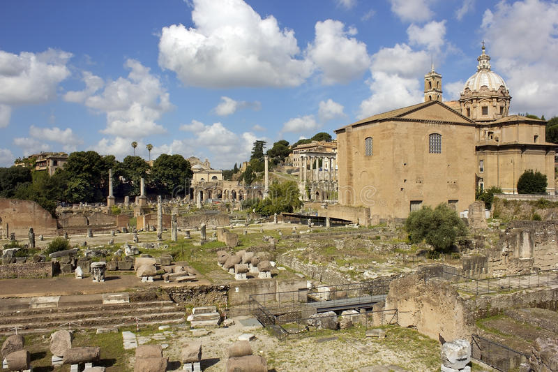 Ruiny sławny antyczny Romański forum, Rzym, Włochy obrazy royalty free