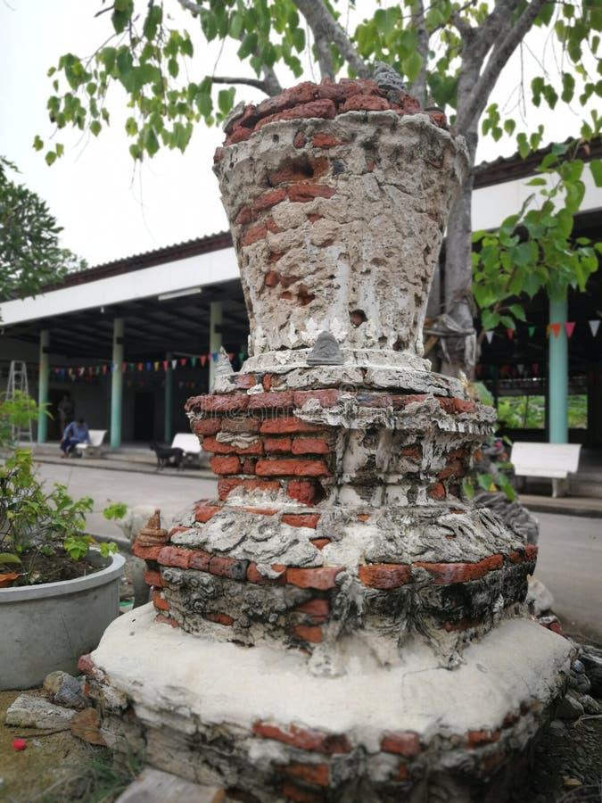 Ruiny stara pagoda wokoło świątynnego terenu zdjęcie stock