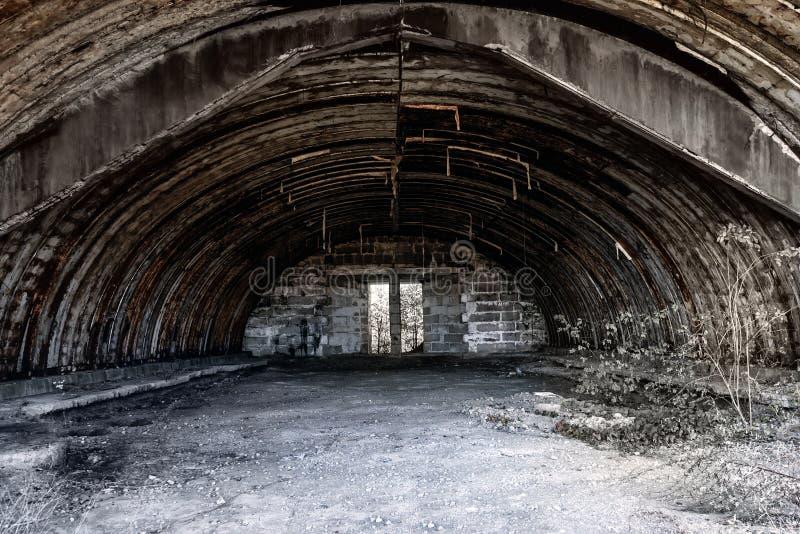 Ruiny stary hangar obrazy royalty free