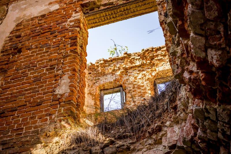 Ruiny stary historyczny ceglany dom fotografia royalty free