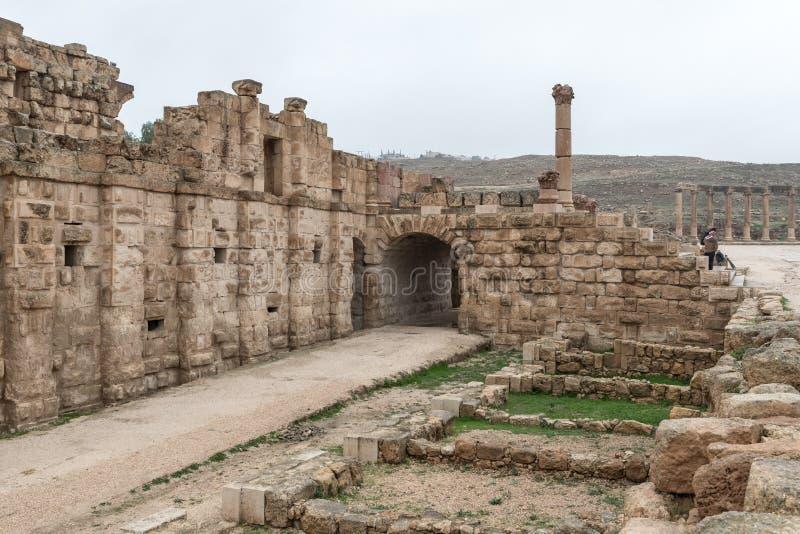 Ruiny wielki Romański miasto Jerash, Gerasa -, niszczący trzęsieniem ziemi w 749 reklamie, lokalizować w Jerash mieście w Jordani obrazy stock