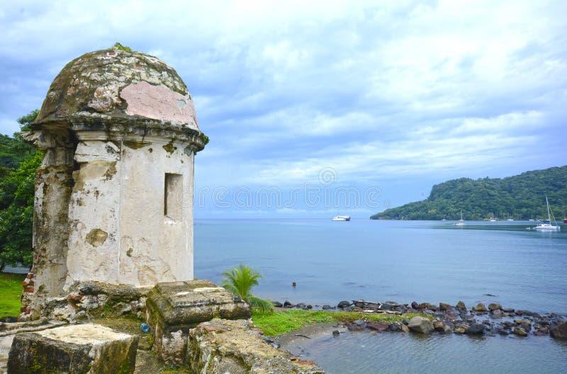Ruisns eines alten spanischen Fortwachturms lizenzfreies stockfoto
