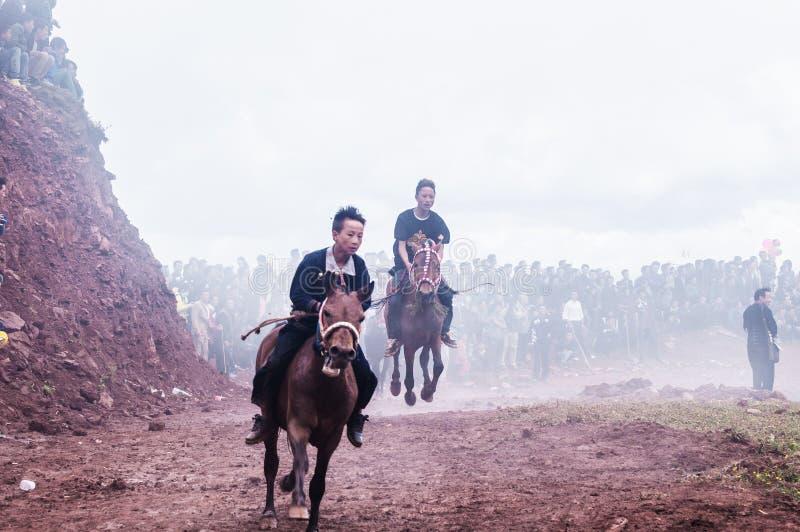 Ruiter in Paardenrennen stock foto's