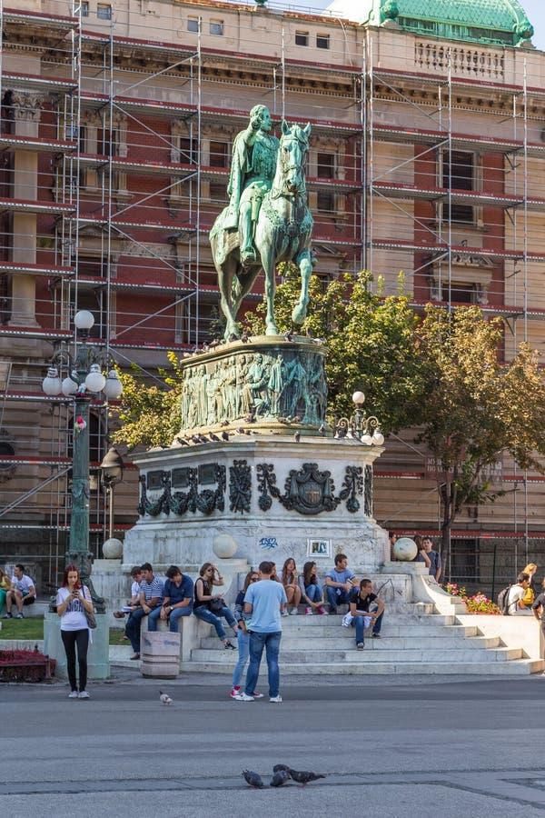 Ruiterstandbeeld van de Servische Prins Mihailo Obernovic III Michael op het Vierkant van de Republiek in Belgrado, Servië royalty-vrije stock fotografie