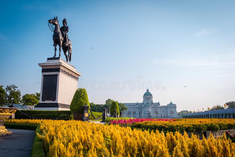 Ruiterstandbeeld van Koning Chulalongkorn Rama V stock foto's