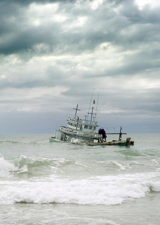 Rujnujący statek fotografia stock