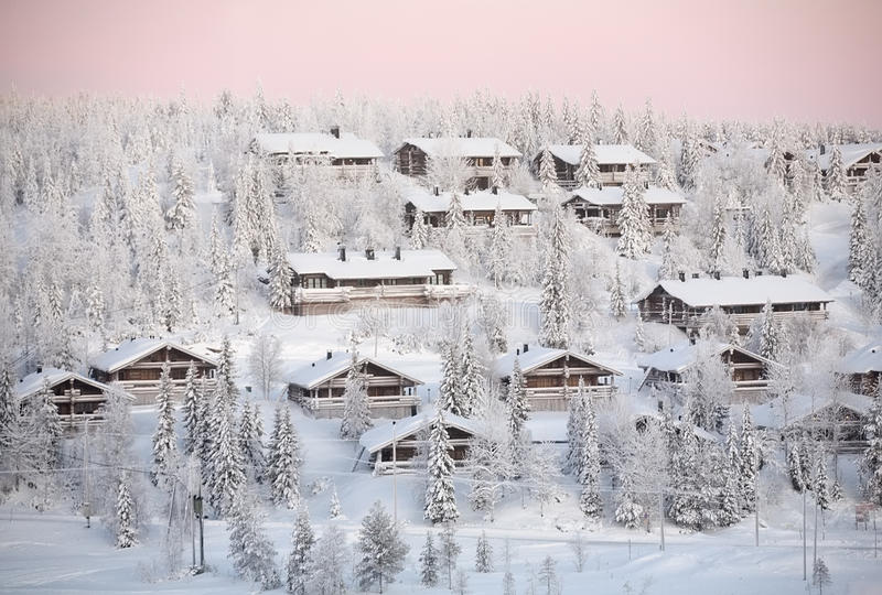 Ruka Dorf, Winter Finnland lizenzfreie stockfotos