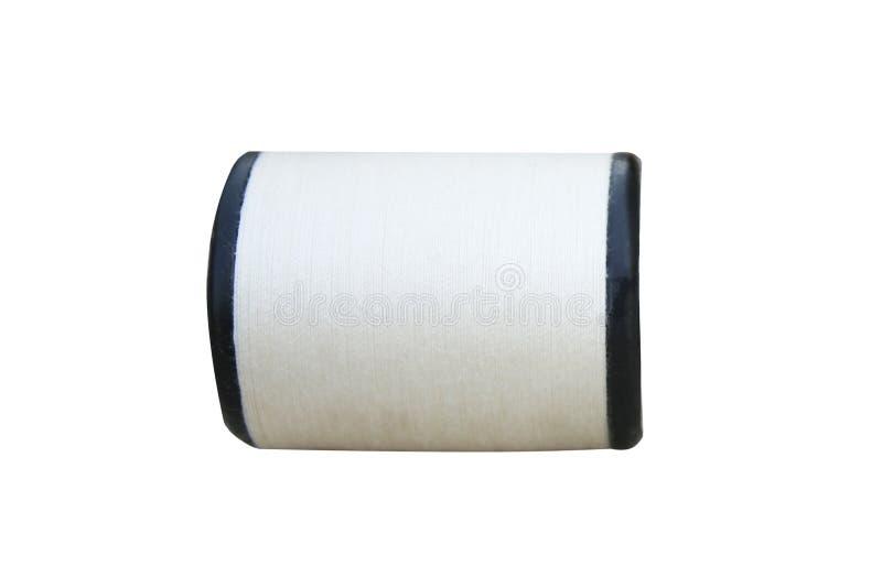 Rulle av den vita sy tråden som isoleras på vit bakgrund fotografering för bildbyråer