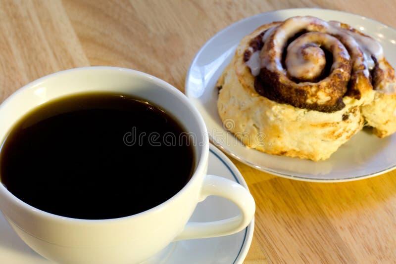Rullo di cannella e del caffè immagine stock