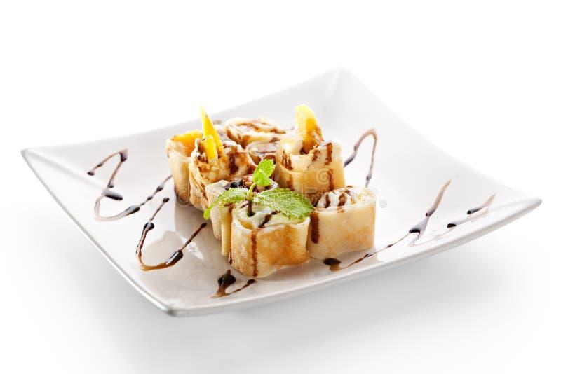 Rullo di sushi dolce della frutta immagini stock