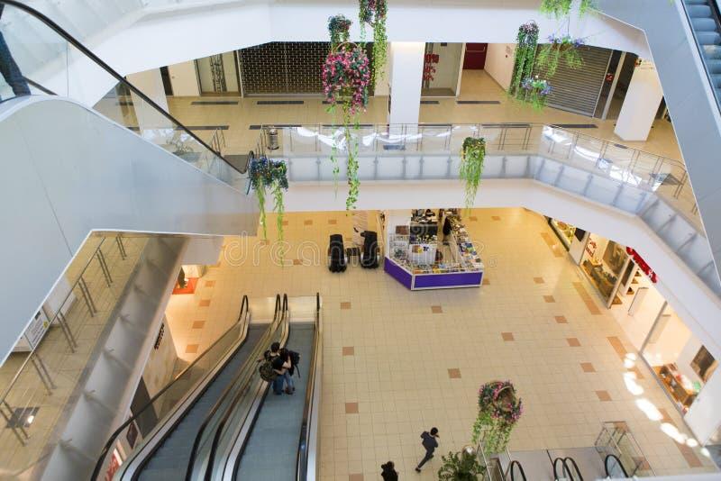 Rulltrappadetalj från en köpcentrum royaltyfria bilder