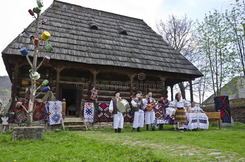 Rumänien- - Maramures-Regionstraditionen lizenzfreie stockfotografie
