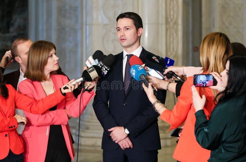 Rumänien politik - Robert Ionatan Sighiartau - nationellt frisinnat parti arkivfoton