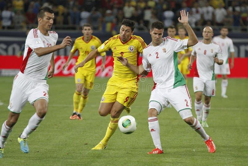 Rumänien - Ungernfotbolllek royaltyfria bilder