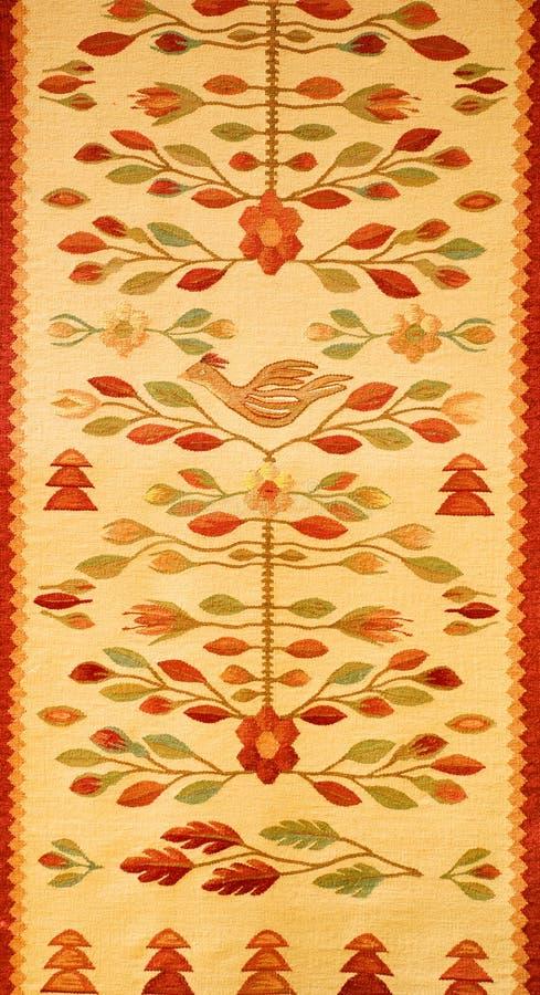 Rumänische traditionelle Wolldecke lizenzfreies stockfoto