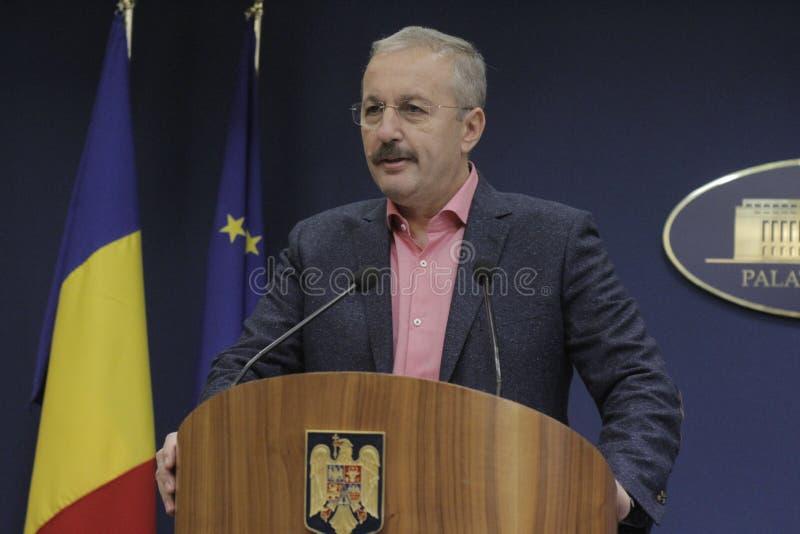Rumänische Vizepremierminister-Vasile Dincu-Pressekonferenz lizenzfreie stockfotos