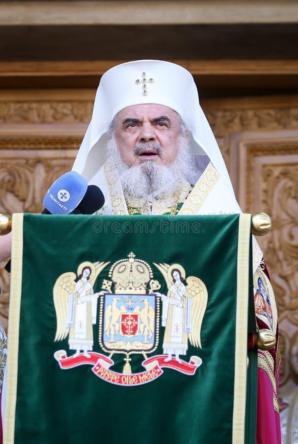 Rumänischer orthodoxer Patriarch Daniel hält eine Rede zu den Gläubigern während einer Palmsonntags-Pilgerfahrt stockfoto