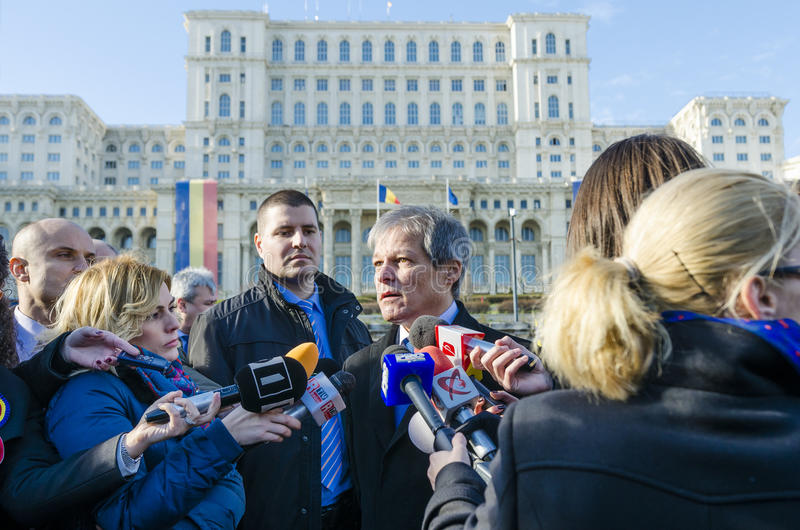 Rumänischer Premierminister Dacian Ciolos lizenzfreies stockbild