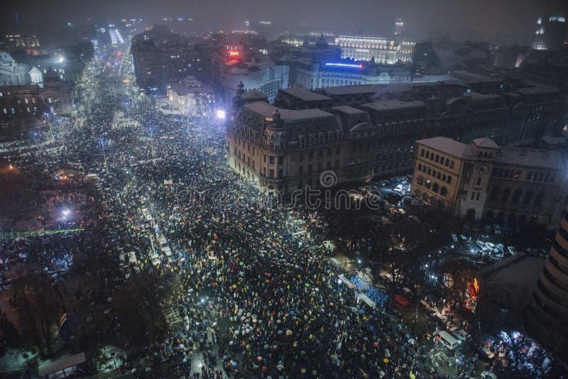 Rumänischer Protest gegen Regierung lizenzfreie stockfotos