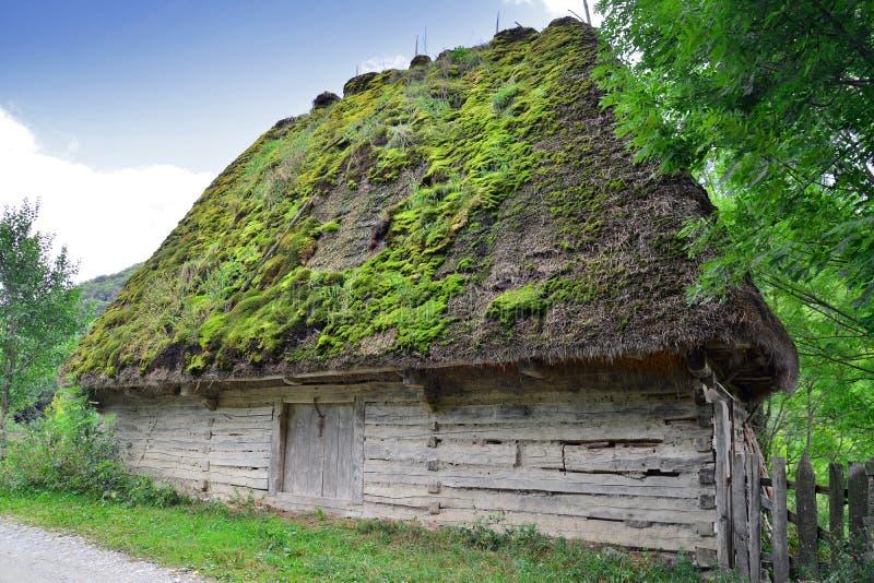 Rumänisches traditionelles Haus stockbild