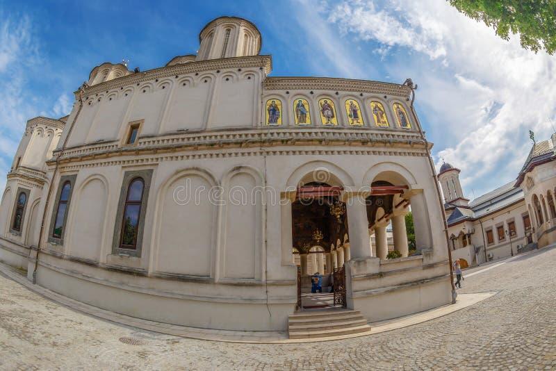 Rumänsk ortodox patriark- domkyrka, Bucharest, Rumänien royaltyfri bild