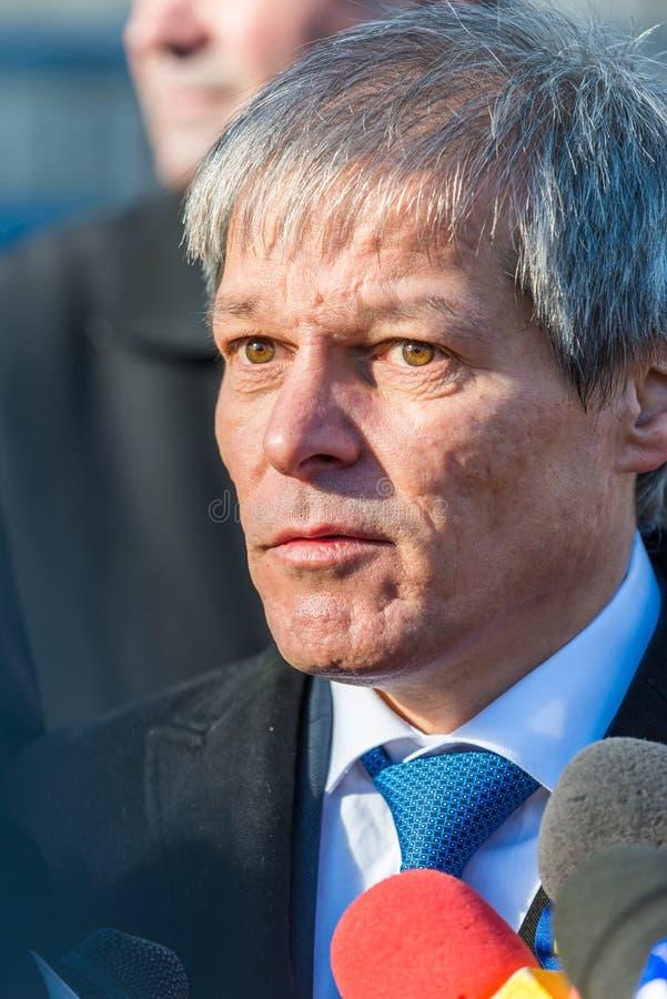 Rumänsk premiärminister Dacian Ciolos arkivbilder