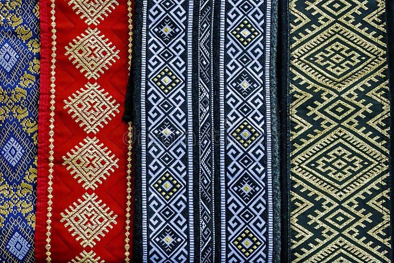 Rumänska bälten, sned boll och embroidered-1 royaltyfri foto