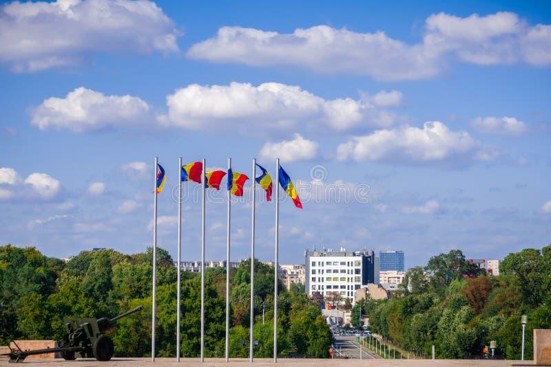 Rumänska nationsflaggor royaltyfri foto