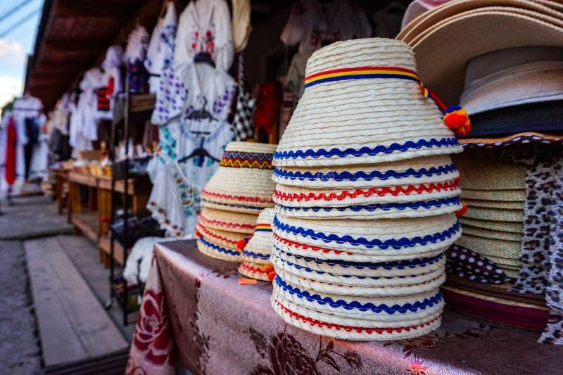 Rumänska traditionella Hay Hat Hats arkivfoton