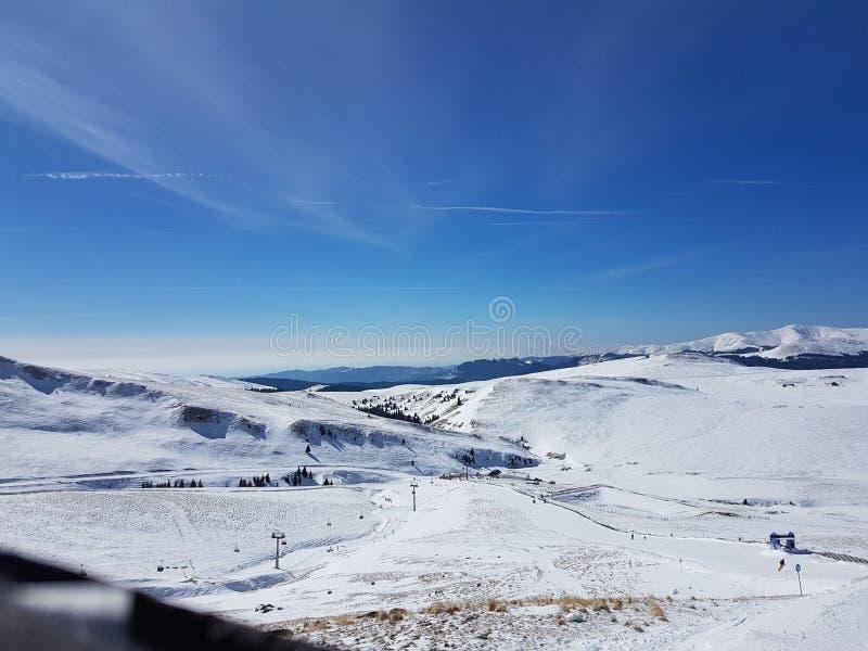 Rumänskt skidar semesterorten royaltyfri fotografi