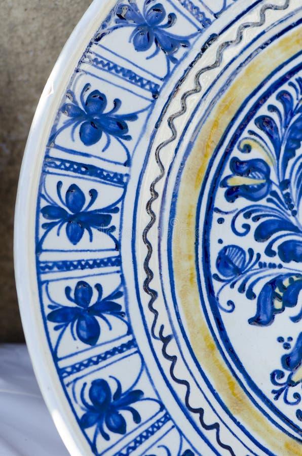 Rumänskt traditionellt keramiskt arkivbild