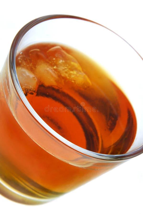 rum com gelo imagens de stock