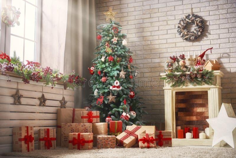 Rum som dekoreras för jul arkivbild