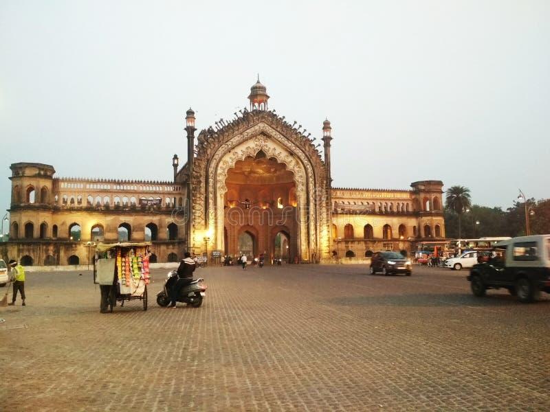 Rumi-Tor von Lucknow stockfotos