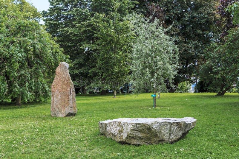 Run- stenar i parkera, Uppsala, Sverige royaltyfri bild