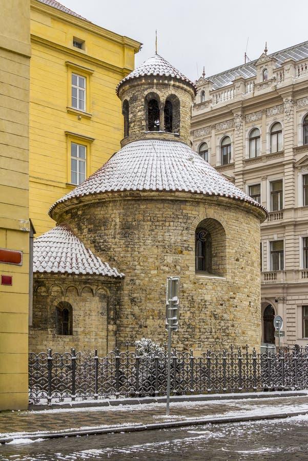 Rund byggnad i Prague arkivfoton