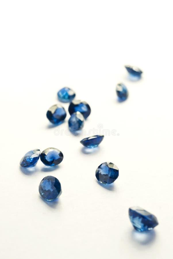 Rund-schneiden Sie blaue Saphire lizenzfreies stockfoto