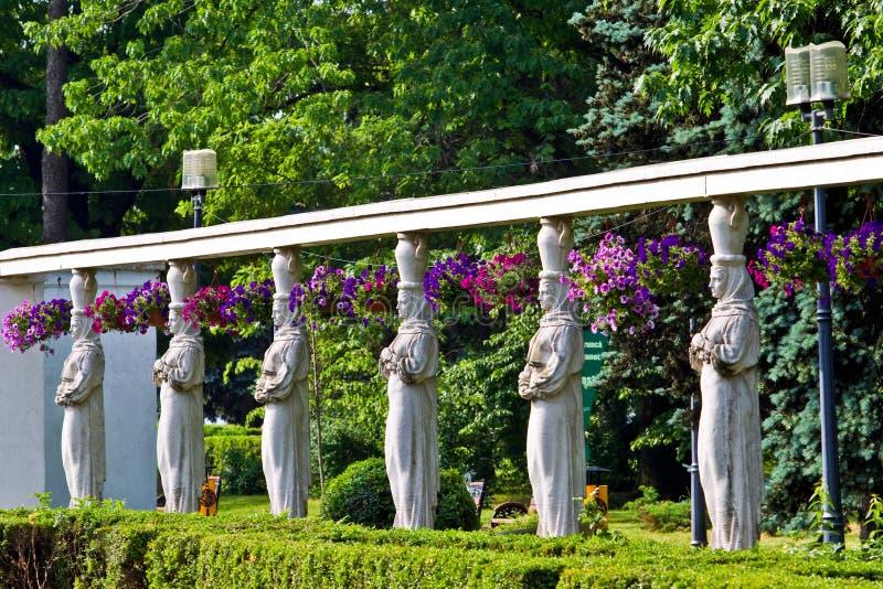 Rund von den Statuen stockfoto