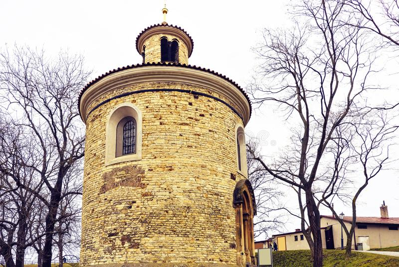 Rundbau von St- Martin` s Kapelle an einem bewölkten Tag lizenzfreie stockfotografie
