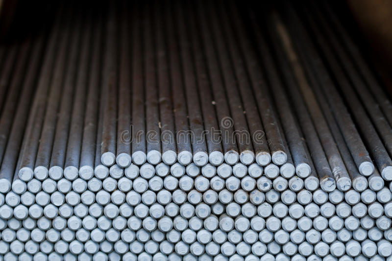Runde Metallstangen lizenzfreie stockfotos
