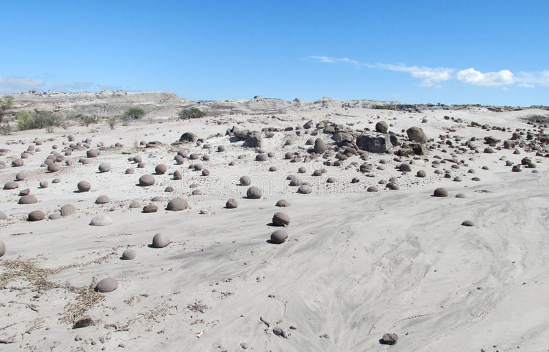 Runde Steinbälle in Ischigualasto, Valle-De-La Luna stockfotos