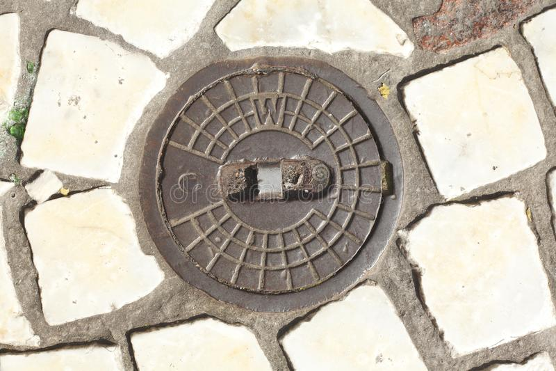 Runder Hydrantdeckel stockbild