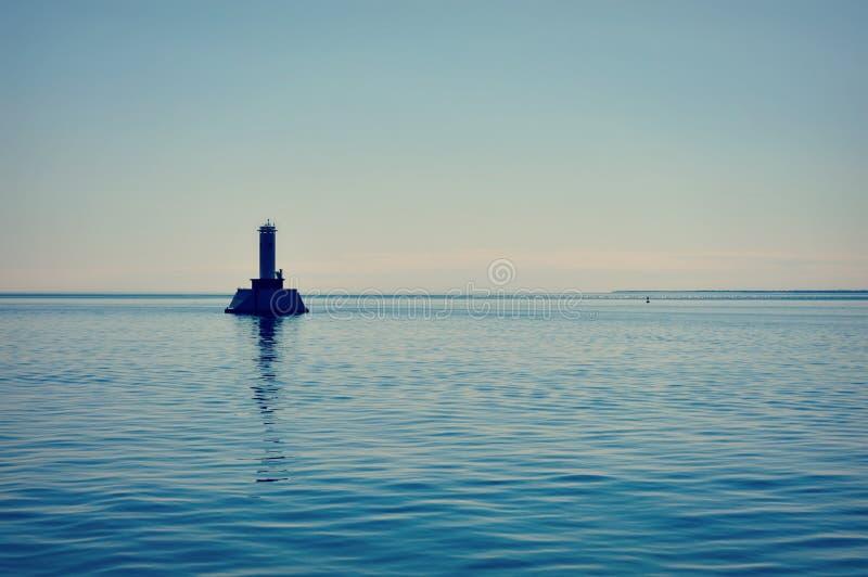 Runder Insel-Durchgangs-Leuchtturm, Michigansee stockbilder