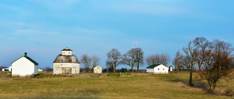 Runder Scheunen-Bauernhof stockbilder